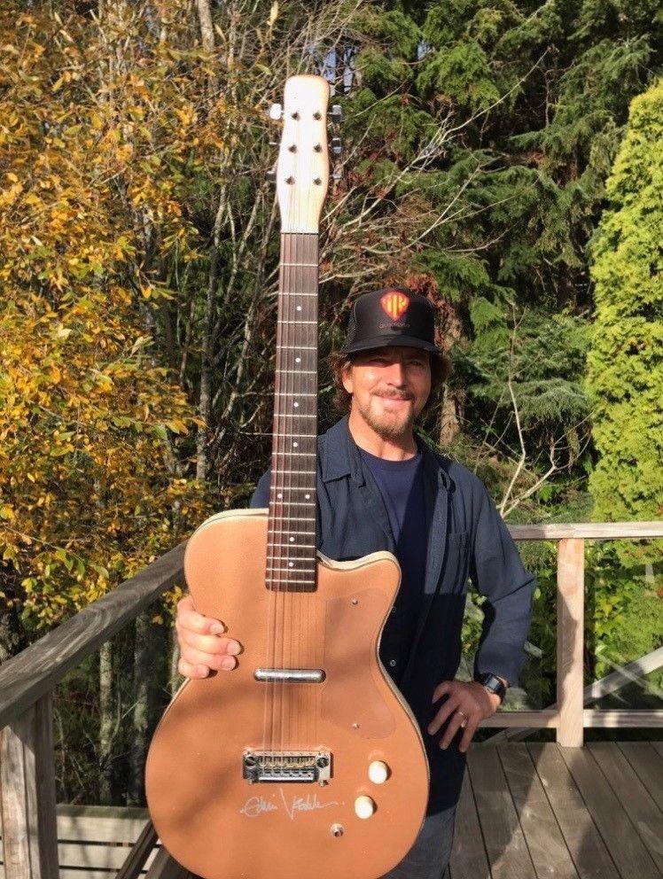 Eddie Vedder Guitar On Ebay Sold Ferry County Rail Trail